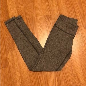 Lululemon Wonder Under size 6